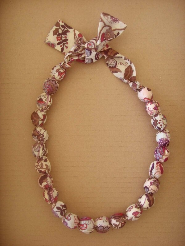 collier (25)