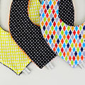 Bavoirs bandanas personnalisés caedeau naissance baptême bavoir foulard jaune noir multicolores
