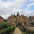 La visite du château de ratilly, dans l'yonne, le 22 août après-midi