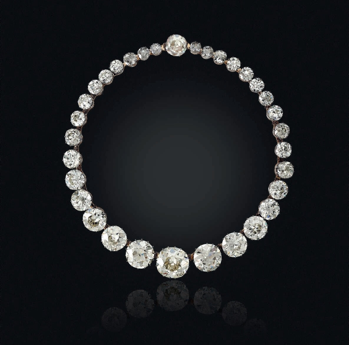 f00ee4e3c An antique diamond rivière necklace originally from the collection of the  Nizam of Hyderabad comprising almost 200 carats of Golconda diamonds.