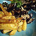 Les moules de l'aber wrac'h aux oignons de roscoff, au cidre et aux pommes du gouezou à partager avec le diable...