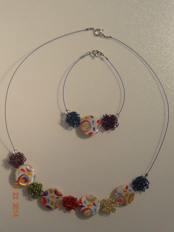 collier+ bracelt nuage mulicouleur et perles en nacre