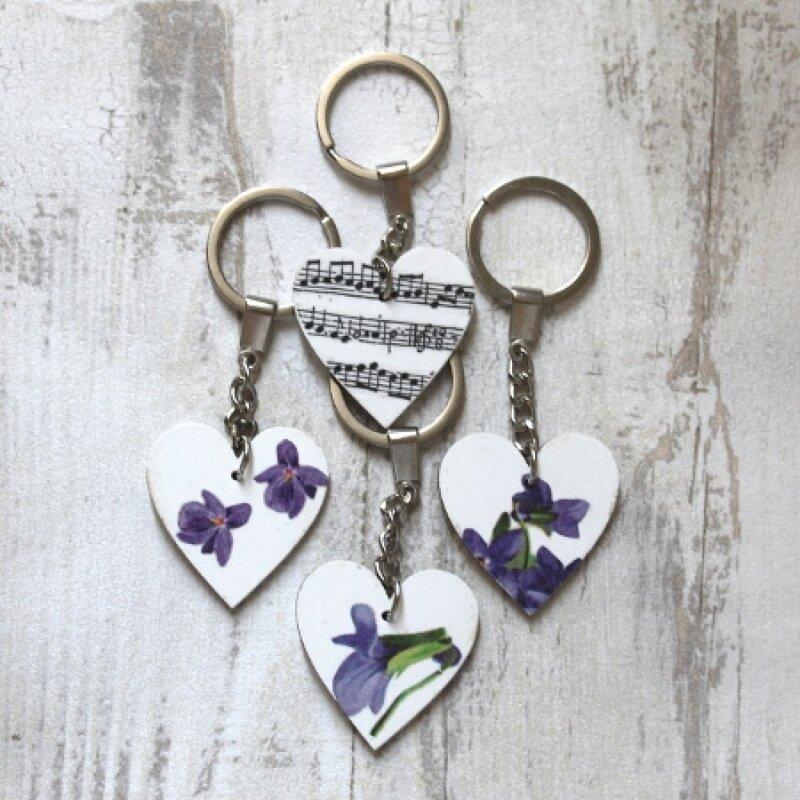 968481-bijou-de-sac-coeur-violettes-1[1]
