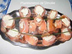 Roul__de_saumon_fum__au_fromage_ail_et_fines_herbes_008blog