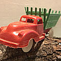 00831 camion type studebaker fourragere marque inconnue