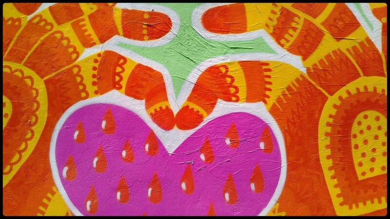 mains et coeur colorés (fresque murale)