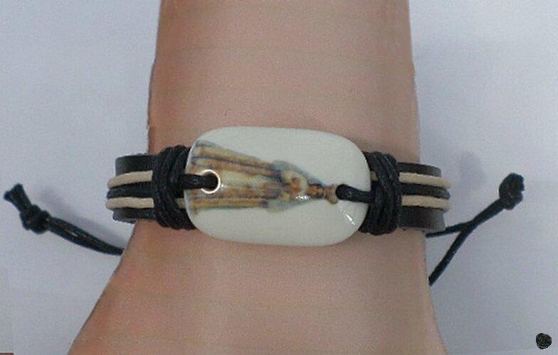 Bracelet Cuir Tresse Style Surfeur Perle Os de Yak Motif Vierge Marie Réglable
