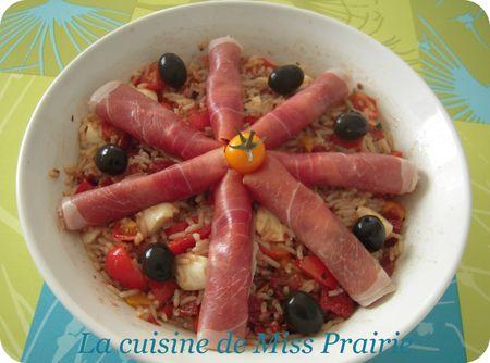 Salade de riz aux poivrons marinés, mozza et basilic