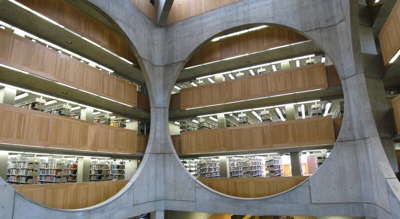 Phillips_Exeter_Library,_New_Hampshire_-_Louis_I__Kahn_(1972)b