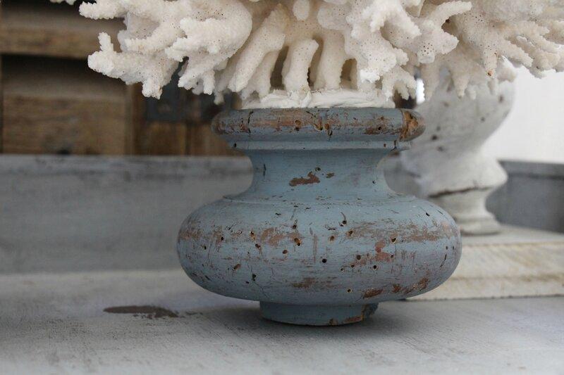 Corail ancien monté sur socle XVIIIe patiné shabby gustavien