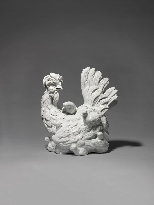 2019_CKS_17042_0108_000(a_meissen_white_porcelain_model_of_a_hen_with_her_chicks_1732)