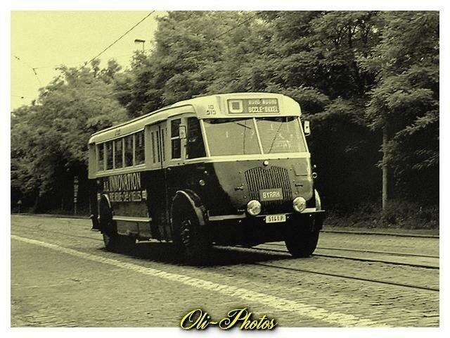 Brossel Ragheno 515. Plus vieux bus conservé par le musée.