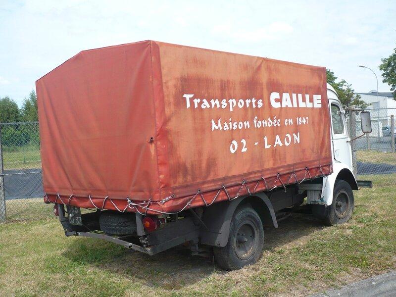 RENAULT Goélette camion léger bâché 1955 Laon (2)