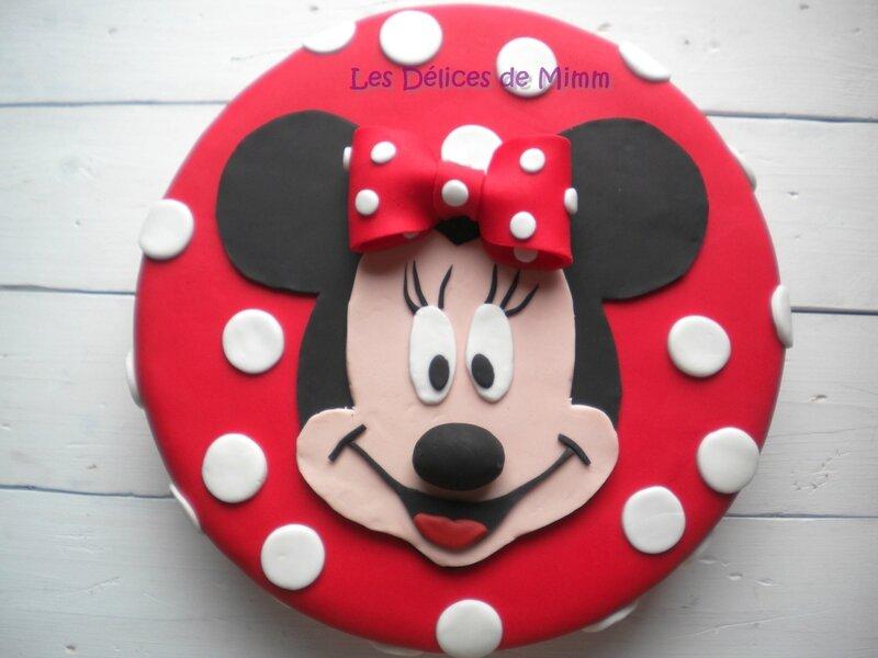 Encore un gâteau Minnie ! (pâte à sucre)