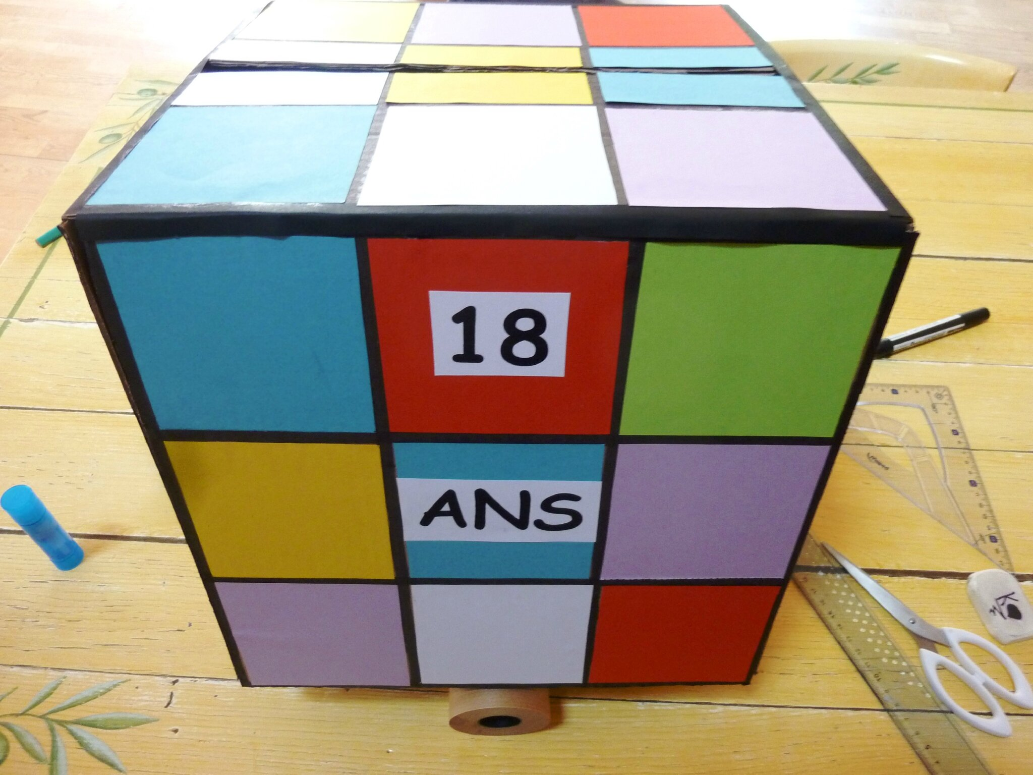 Tuto Urne Danniversaire Facon Rubiks Cube DIY