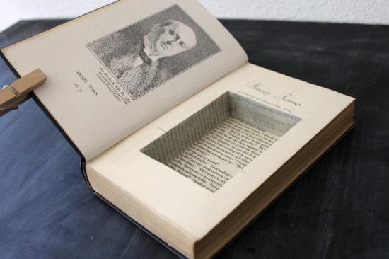 comment utiliser un vieux livre comme boite bijoux safamod bijoux. Black Bedroom Furniture Sets. Home Design Ideas
