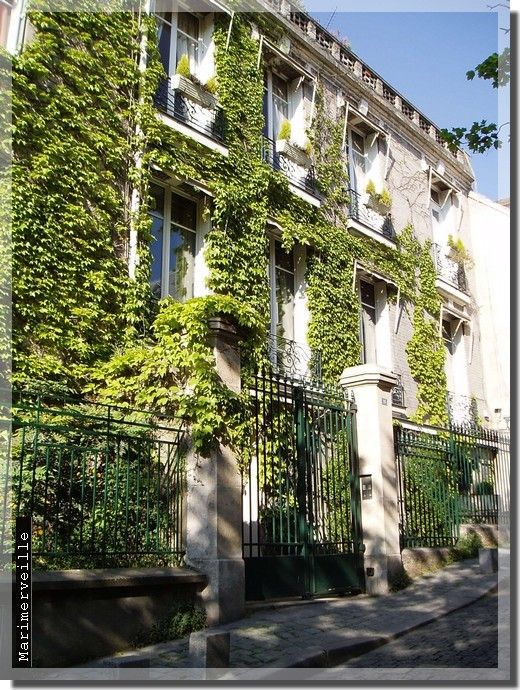 Façade verdoyante, Montmartre