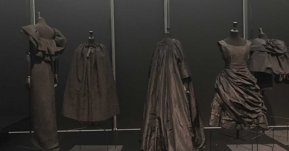 d259dcd1564f The Kimbell Art Museum showcases more than 100 examples of haute-couture  fashion created by Cristóbal Balenciaga