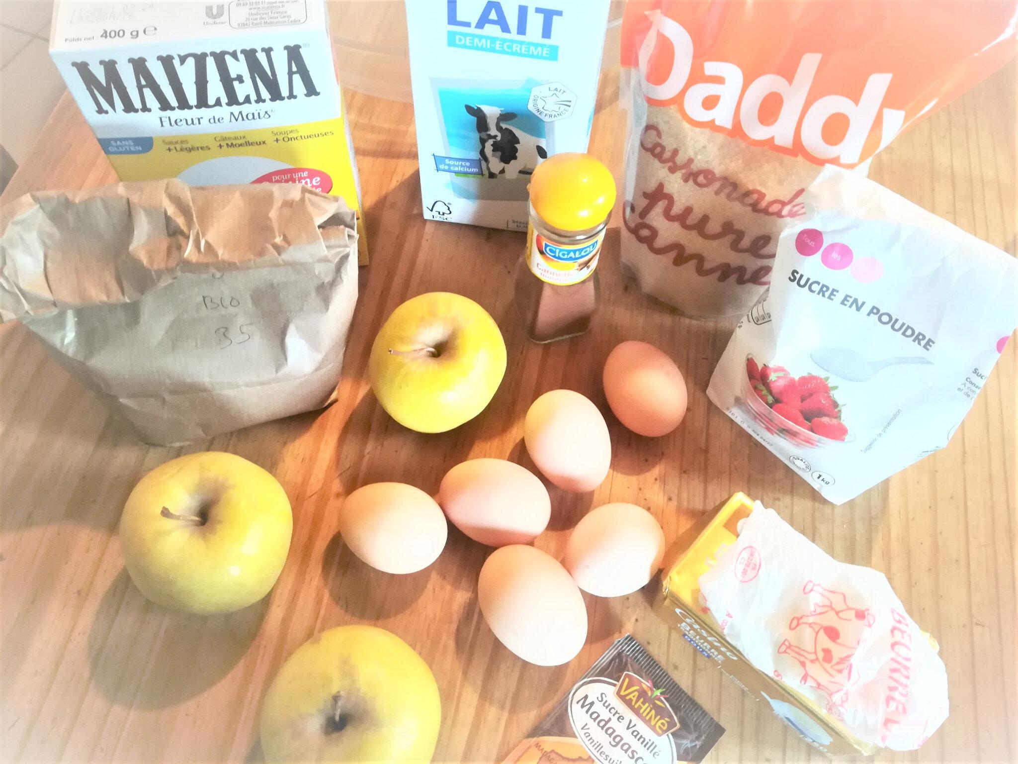 Flamusse aux pommes et à la cannelle.