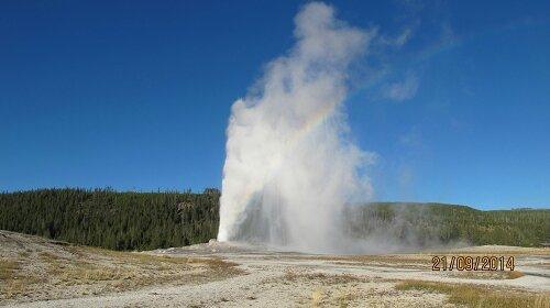 Yellowstone, Old Faithful Geyser (2)