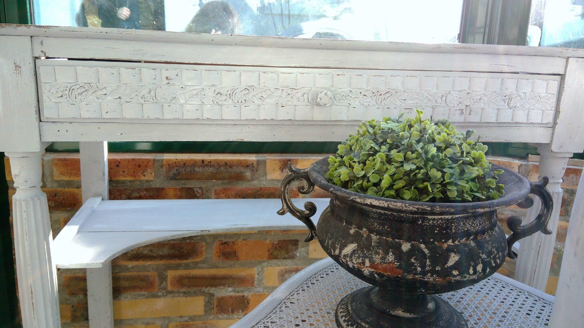 Ancienne table de toilette en marbre patinée gris poudré
