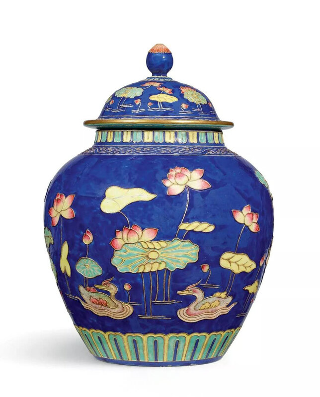 A famille-roseFahua-type jar and cover, Qing dynasty, Qianlong period