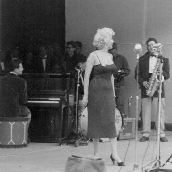1954-02-17-stage_out-040-1