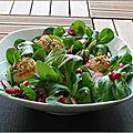 Poêlee de saint jacques aux pistaches, radis, mâche et grenade