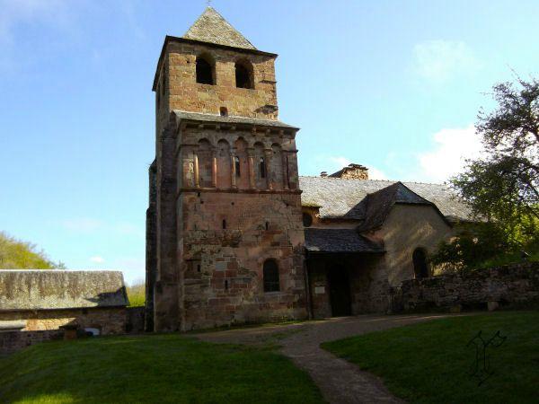 12_Chapelle St pierre de Bessuéjouls_vue générale