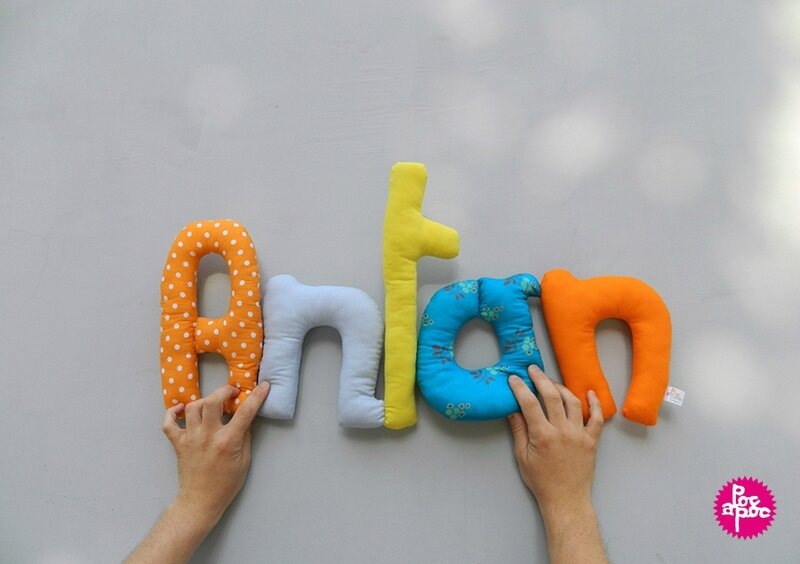 anton,mot en tissu,mot decoratif,cadeau de naissance,decoration chambre d'enfant,cadeau personnalise,cadeau original,poc a poc blog