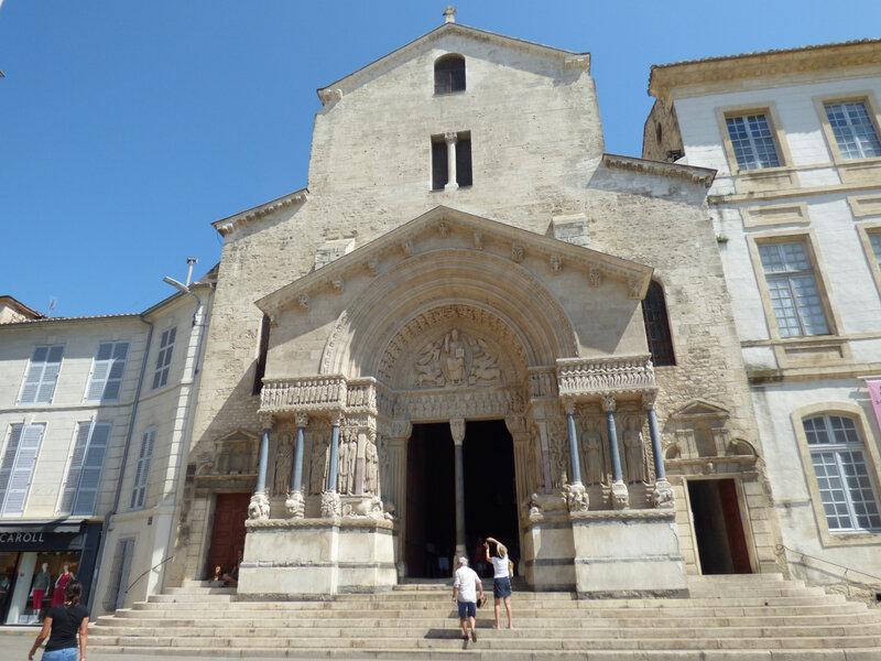 10 Eglise de Saint Trophime (6)