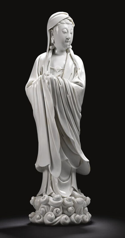 A large 'Blanc de Chine' figure of Guanyin, Qing dynasty