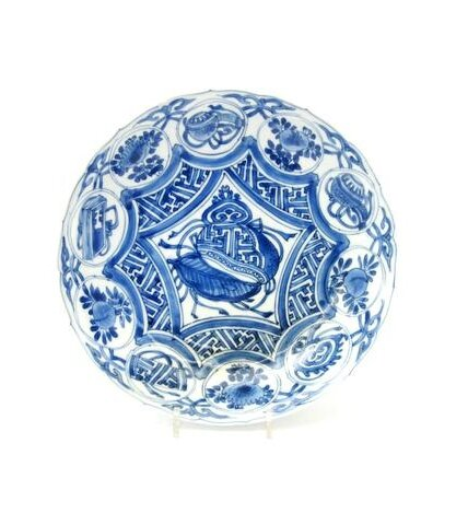 A blue and white 'kraak' porcelain saucer dish, Wanli. Photo Bonhams.