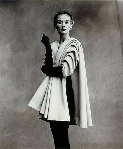 Balenciaga Mantle Coat (A), Paris 1950, photo Irving Penn