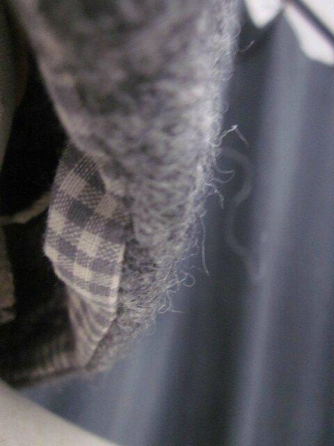 Cheapeau AGATHE en laine bouillie gris chiné moyen avec fleur - doublure coton vichy gris et écru - taille 58 (1)