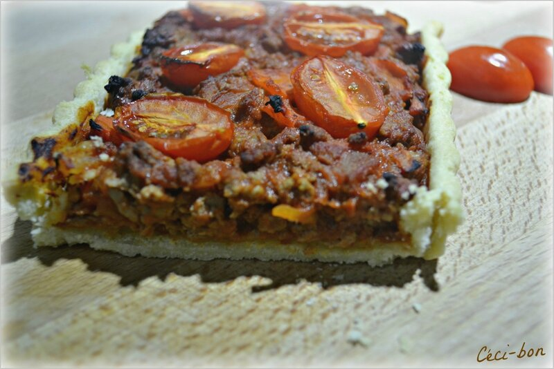 Découpe tarte viande hachée