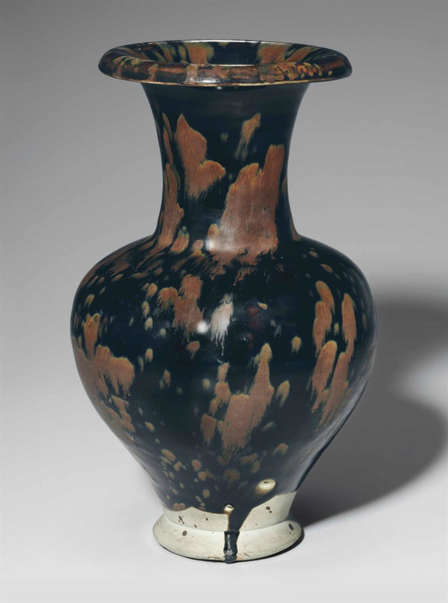 A very rare Cizhou-type black and russet 'partridge feather'-glazed vase, Northern Song-Jin dynasty, 12th century