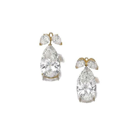 Attractive Pair of diamond pendants