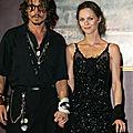 Johnny-Depp-Vanessa-Paradis-05-435x580