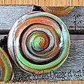 collier spirales orange et vert fluo cernit détails 2