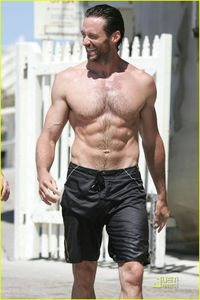 Hugh_s_beach_body_hugh_jackman_4638309_816_1222