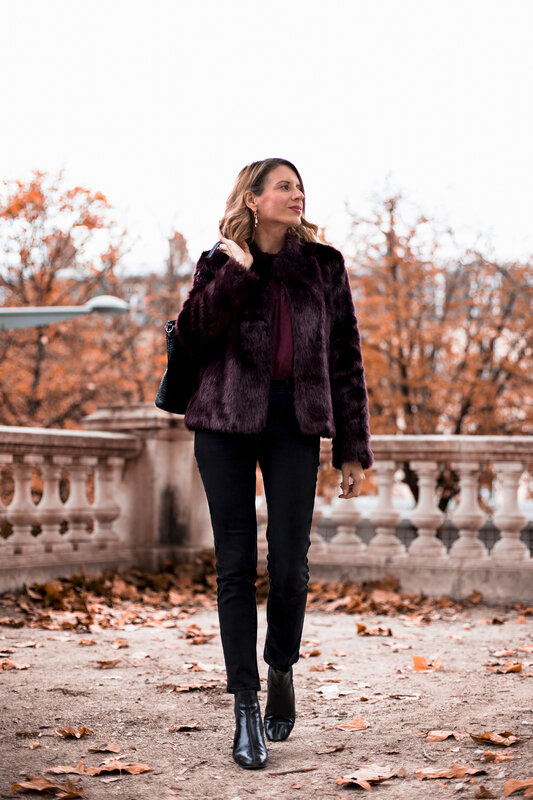 Burgundy lace and faux fur (5)