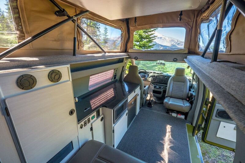 sportsmobile-classic-4x4-interior-3