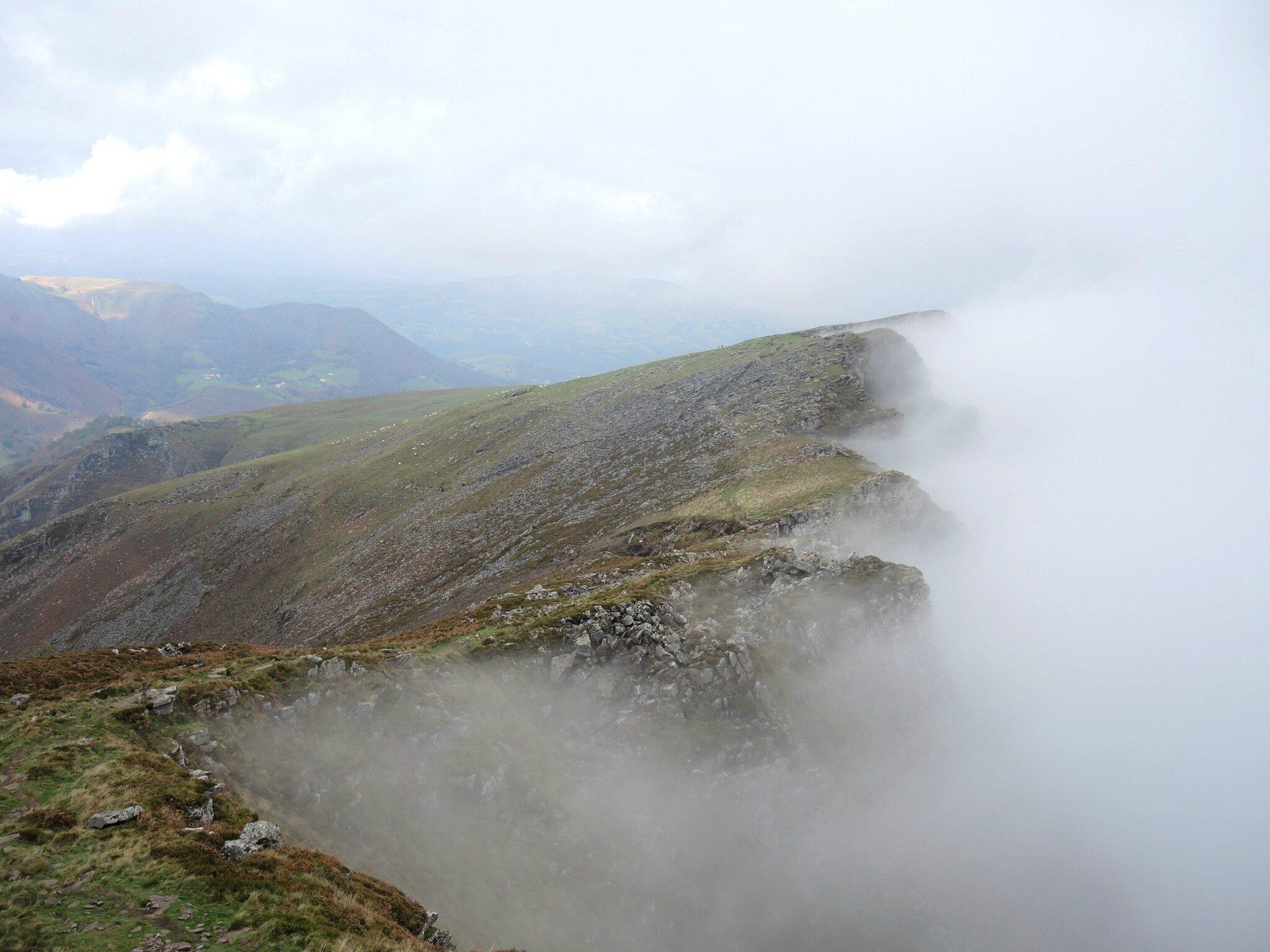 Bidarray, Iparla, crètes et brouillard (64)
