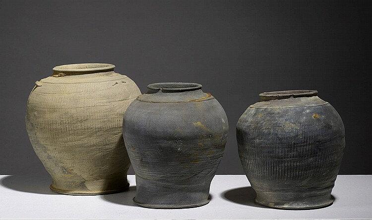 Lot composé de trois pots, Vietnam, dynastie des Lê, 15°- 16° siècle
