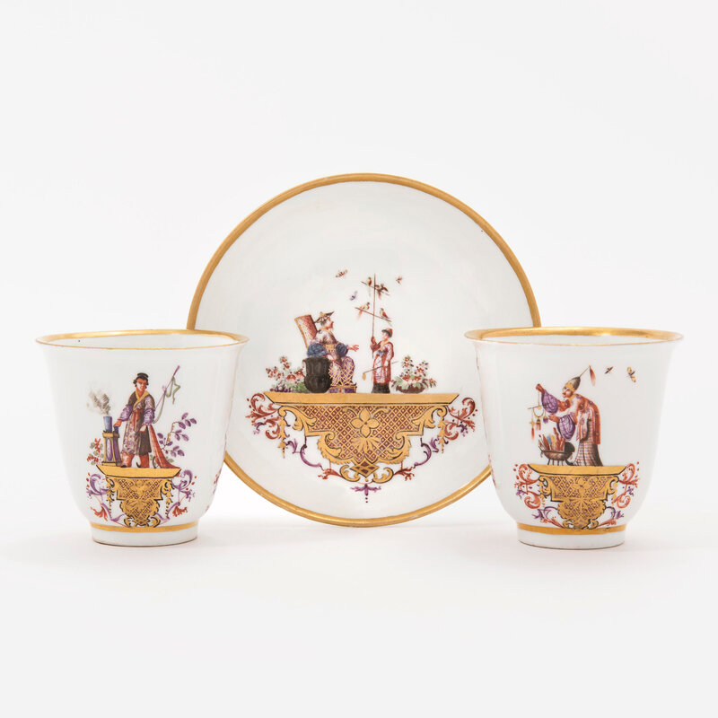 2019_CKS_17345_0034_000(two_meissen_porcelain_chinoiserie_beakers_and_one_saucer_circa_1735_bl_d6218228)