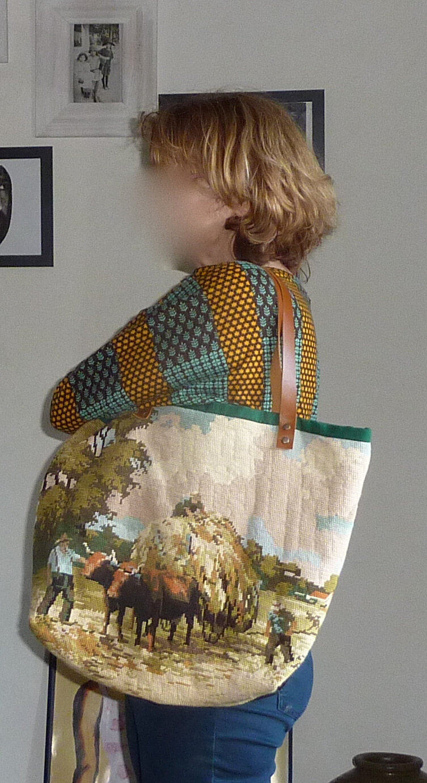 """encore un sac avec récupération de canevas vintage """"la fenaison"""" mais pas que......."""