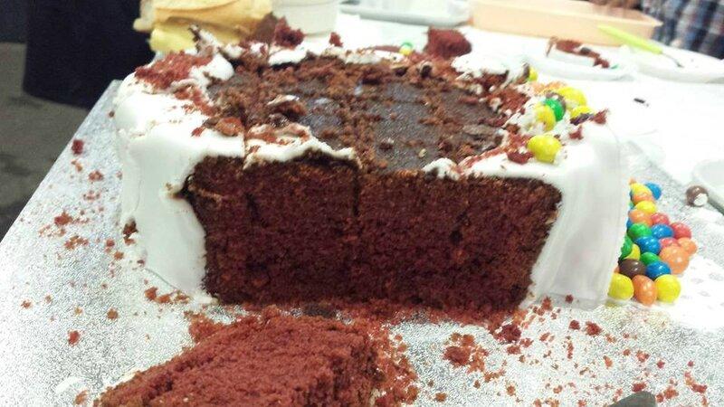 Gâteau m&ms coupé