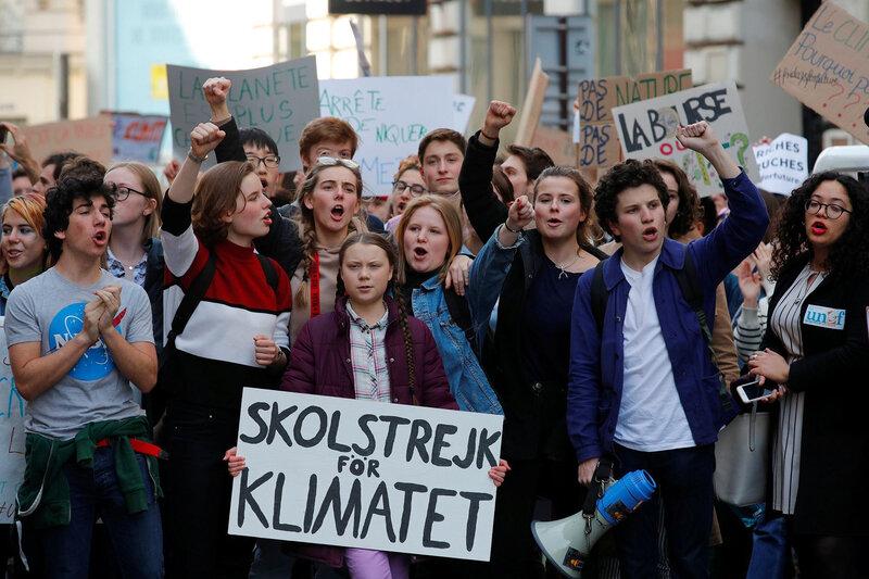 Les-jeunes-parisiens-sechent-l-ecole-avec-Greta-Thunberg-pour-le-climat