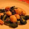 Salade tiède de saint jacques et gambas